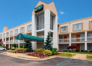 Exterior view Hotel Quality Inn Airport Holland, OH 43528